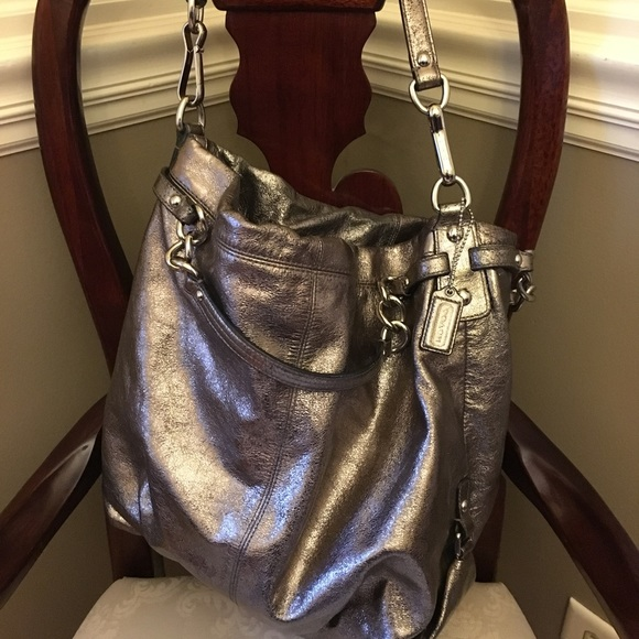 Coach Bags   Sale Authentic Gold Tote   Poshmark de912932fb